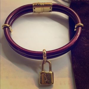 Louis Vuitton keep it twice vernis bracelet